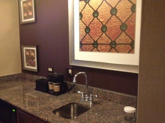 Charmant Embassy Suites By Hilton Baltimore Inner Harbor: Galley Kitchen With Granite  Countertops