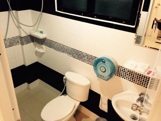 Douche wc picture of don mueang airport modern bangkok hotel
