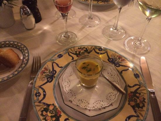 Le Bistrot d'Alain : Vi bjöds på en enastående god soppa i väntan på förrätten