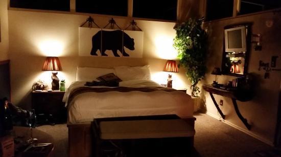Redwoods River Resort & Campground: Bear Den