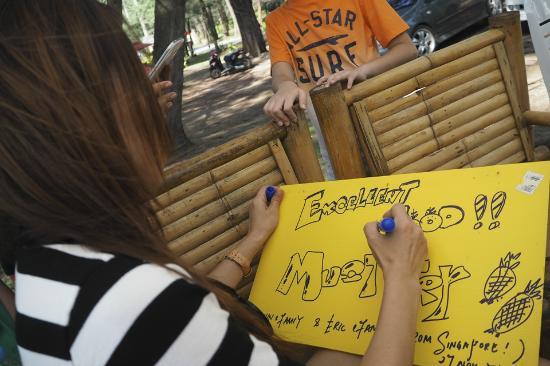 Krua Parichart: Our hand-drawn thumbsup board for thiem