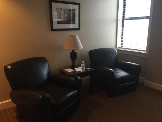 Eldridge Hotel: Sitting area in our room