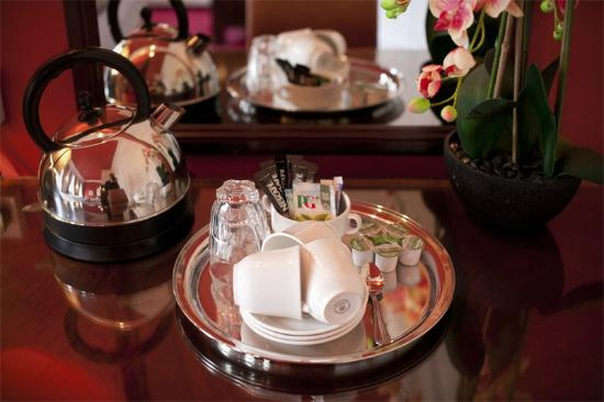 Regent House Hotel: tea and coffee making facilities
