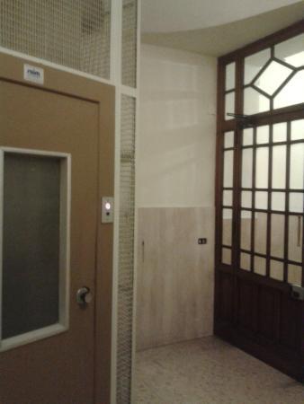 Hotel Merulana Star: ingresso