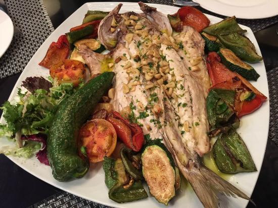 Restaurante Picabea: Lubina Salvaje.