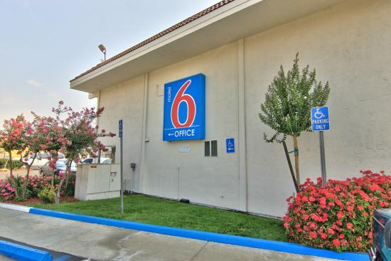 Motel 6 Sacramento-Old Sacramento North : Exterior