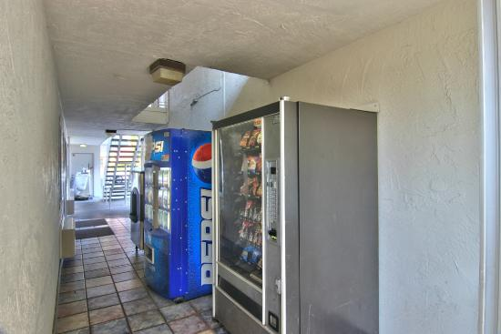 Motel 6 Sacramento-Old Sacramento North: Vending