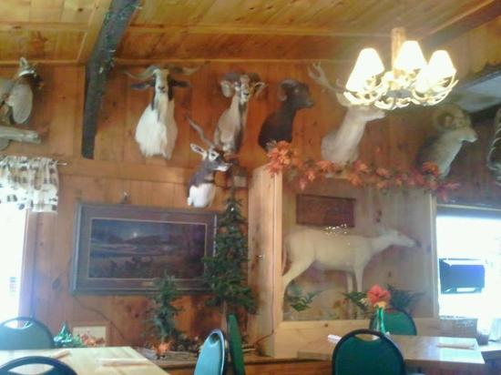 Gooch's A-One Bar & Grill: Interior