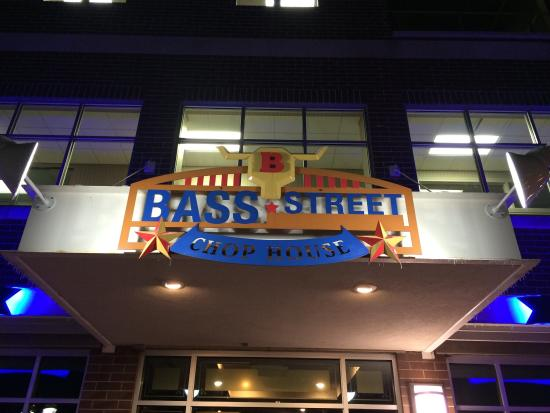 Bass Street Chop House: Entrance