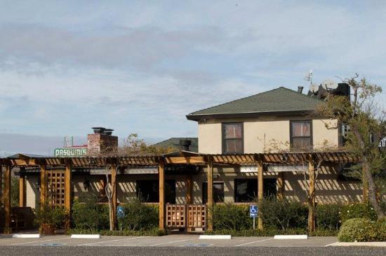 Live Oak, CA: Exterior