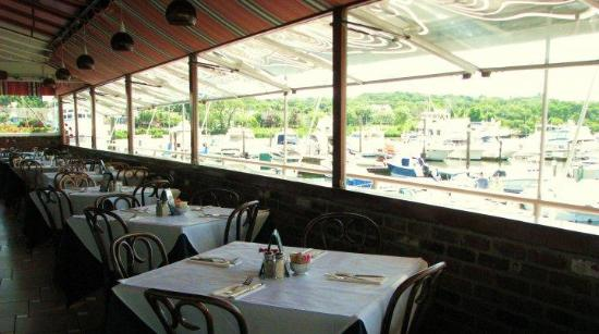 LaMotta's Dockside Restaurant Bar