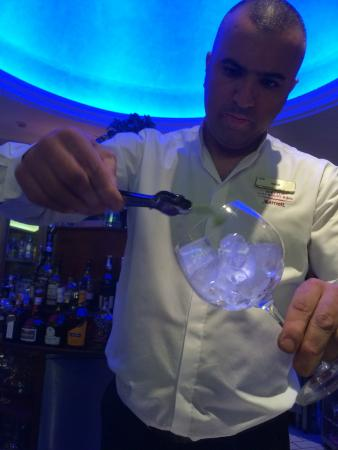 Denia La Sella Golf Resort & Spa : Karim the Cocktail master (Lobby bar)