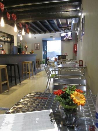 Currently empty restaurant La Vola