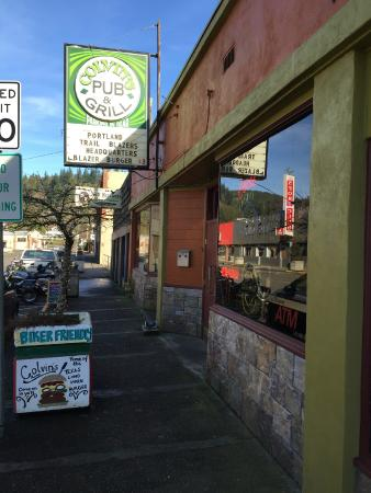Colvins Pub & Grill: Nothing special from the street