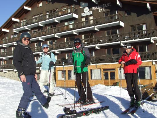 Chalet Hotel Tarentaise: View from slopes