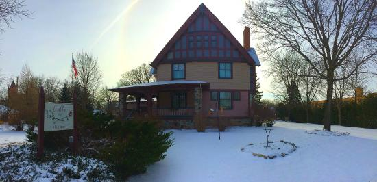 Cedar Rose Inn Bed and Breakfast: Winter Wonderland in Alexandria Minnesota