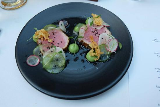Table 9 : Seared tuna with yuzu, radish and cucumber