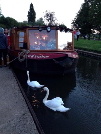 The Countess Of Evesham Restaurant Cruiser