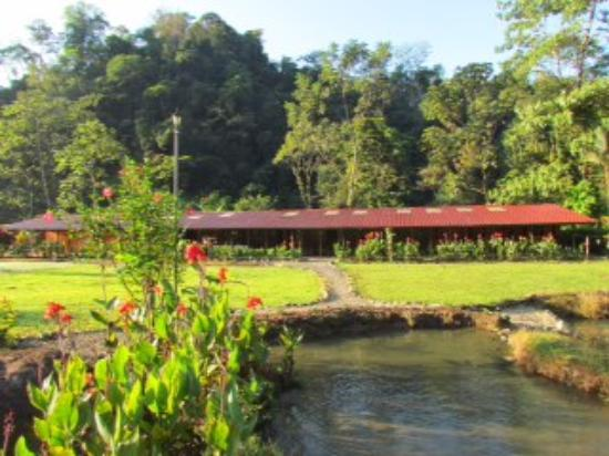 Hot Springs Lodge Costa Rica: Riverfront accomodations