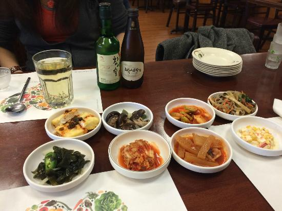 Woo Chon Restaurant : delicious side dishes