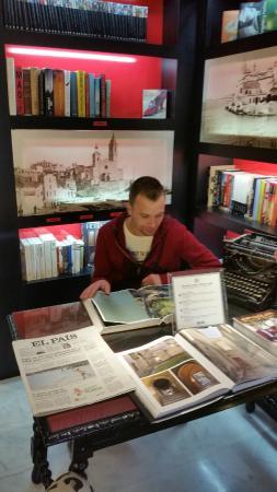 Hotel Sitges: Kristof leyendo