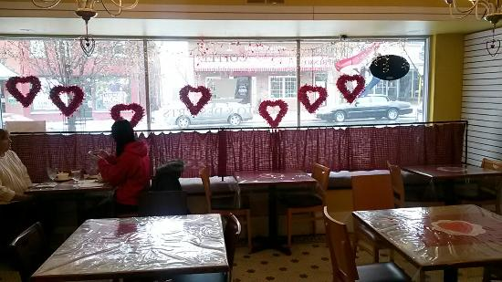 MiMi's Central Perk Cafe: Mimi's central peek .......love this place....