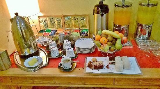 der nachmittagskaffee gut tee und kuchen bild von hotel rothenburger hof dresden. Black Bedroom Furniture Sets. Home Design Ideas