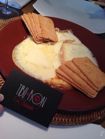 Ristorante Tibu-Ron: Surtido quesos italianos fundidos