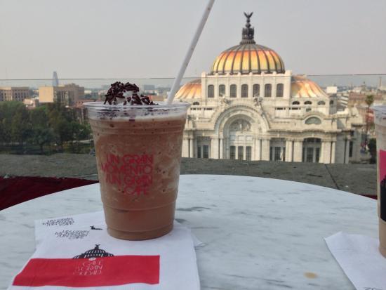 Cafe De La Gran Ciudad Un Gran Momento Un Gran Cafe Frappe