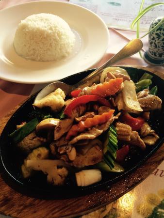 The Thai Restaurant: Chicken Cashew