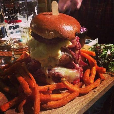 The Anchor Inn: The Hulk Burger!