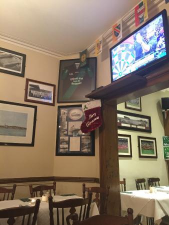 O'sheas Irish Restaurant: inside the restaurant