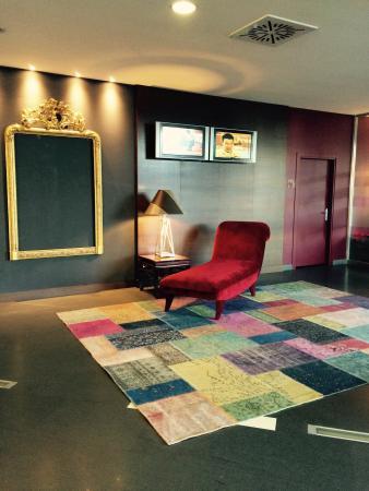 Hotel Expo Verona : Un angolo della hall