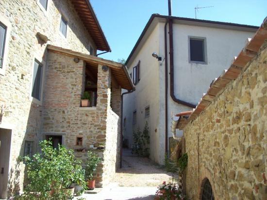 Agriturismo Corzano: Il borgo
