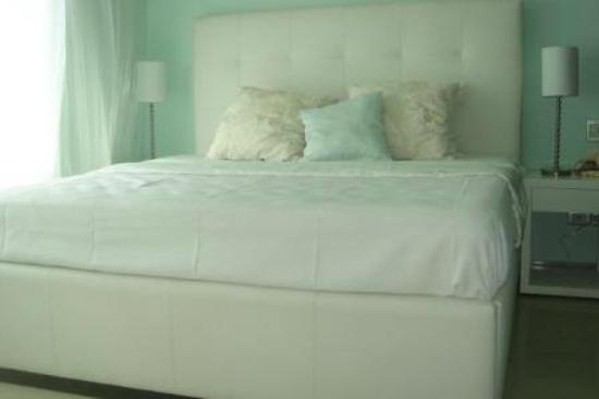 Sun and Sea Rentals : my bedroom