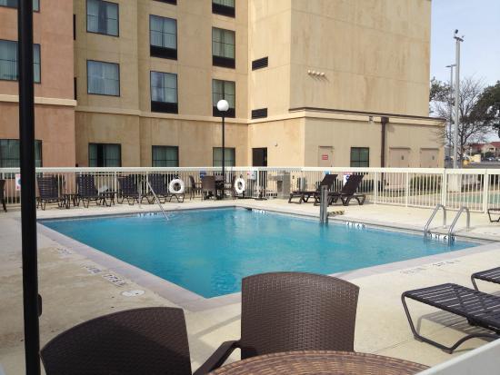 Homewood Suites by Hilton Hotel San Antonio North: Outdoor pool area