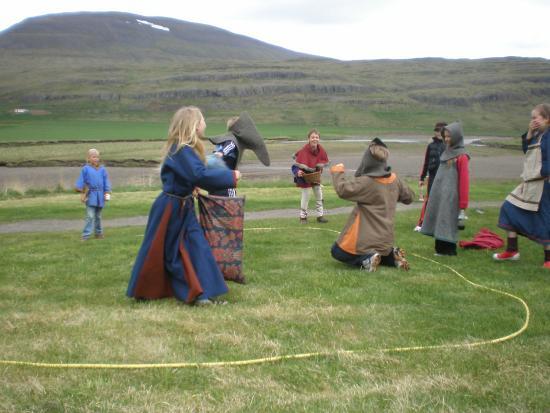 Eiriksstadir: A viking family having fun.
