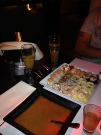 Itamae Sushi: W/flash Sushi special, with champagne bottle service