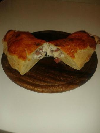 Asti, Italy: Calzone al forno