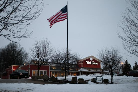 Fairfield Inn & Suites Pittsburgh New Stanton : Bob Evans is next door to Fairfield Inn