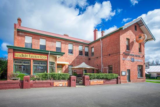 Holgate Brewhouse: Historic old pub