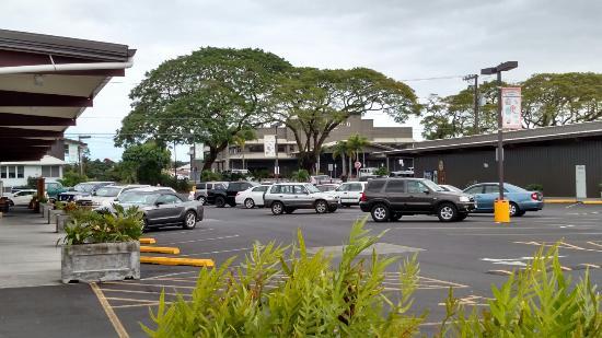 Manono Street Marketplace