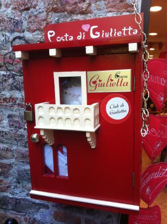 Romeo's House (Casa di Romeo): La Posta di Giulietta!