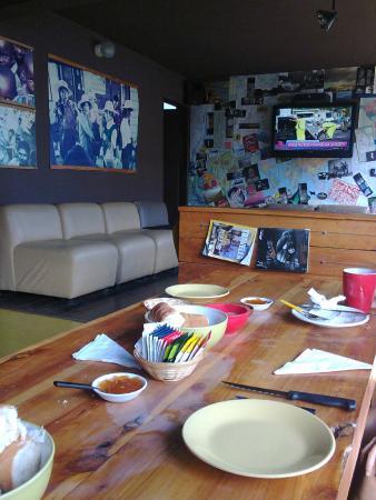 Moving Hostel Travel Bar: La mesa del desayuno