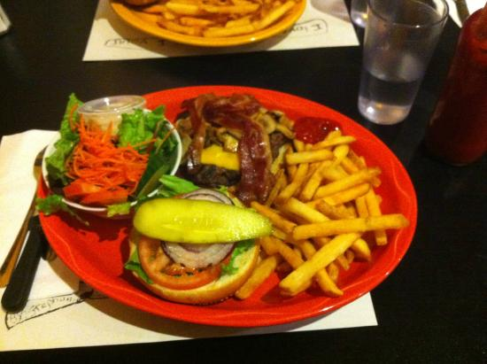 Sophie's Cosmic Cafe: Sophie's Cosmic Workout Burger