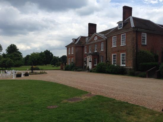 Chilston Park Hotel: Outside view of the main house