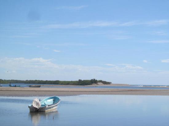 Playa Las Peñitas: Tidal estuary