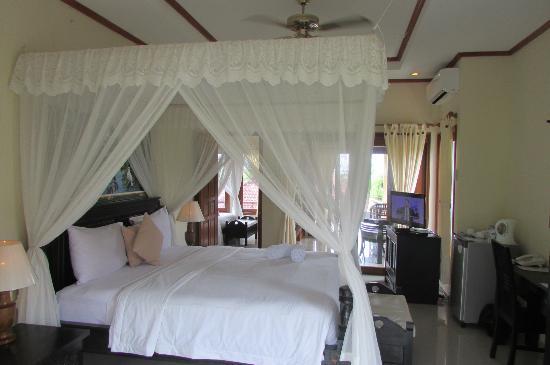 Arya Amed Beach Resort: Family Ocean View Room