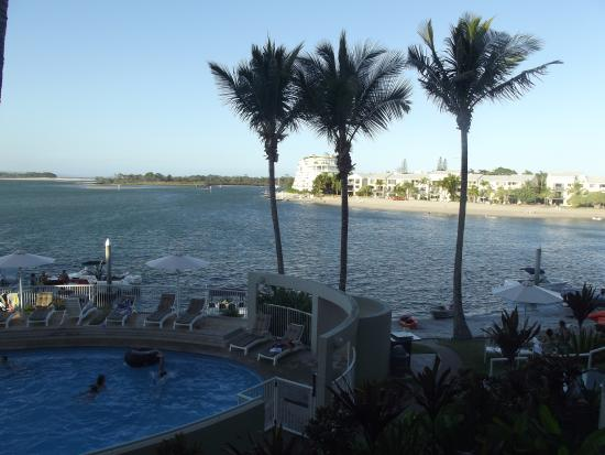 Noosa Pacific Riverfront Resort: View over the river