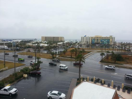 Emerald Coast Inn & Suites : View from the 6th floor balcony